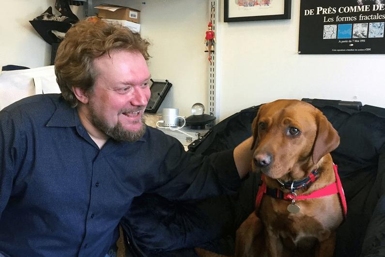 MIT科學家Mershin指研究所狗狗有偵測疾病的早期徵兆的嗅覺